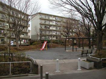 西ひかりが丘団地16街区01.JPG